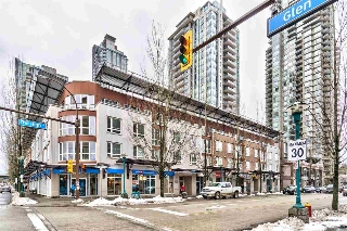 "Main Photo: PH1 1163 THE HIGH Street in Coquitlam: North Coquitlam Condo for sale in ""KENSINGTON"" : MLS(r) # R2138461"