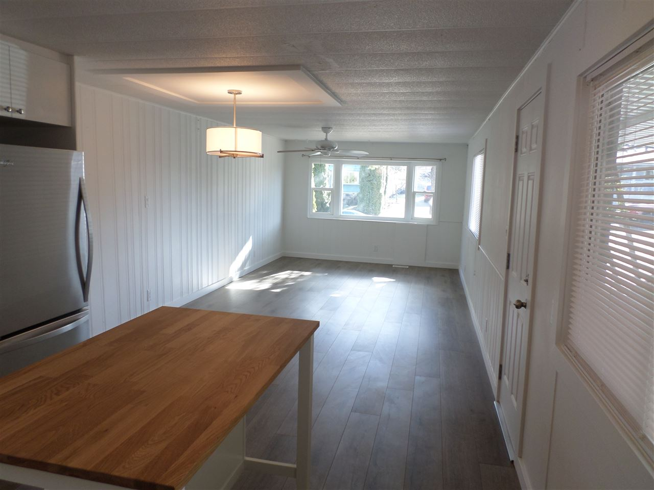 Photo 8: 31585 LOMBARD Avenue in Abbotsford: Poplar Manufactured Home for sale : MLS(r) # R2138943
