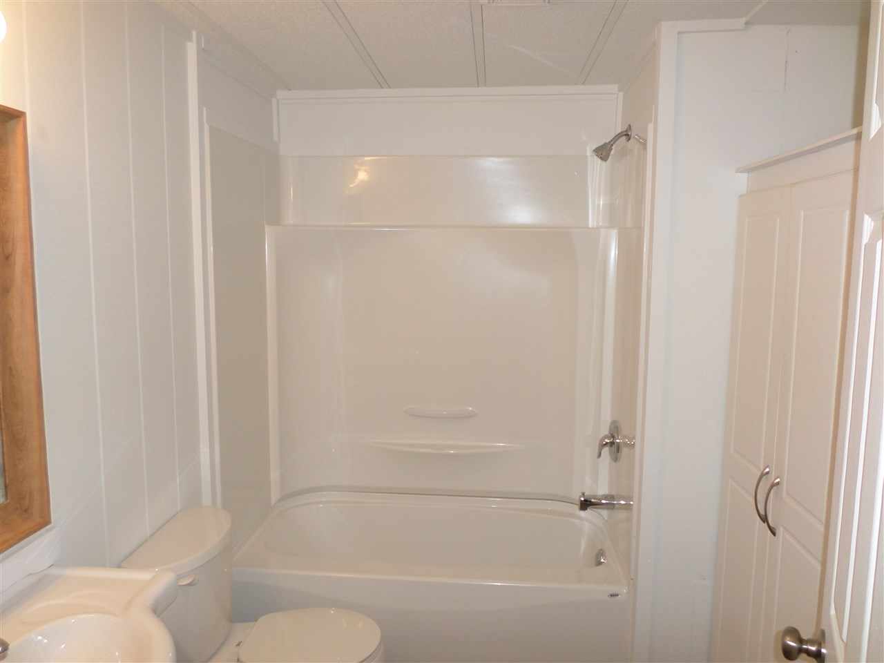 Photo 12: 31585 LOMBARD Avenue in Abbotsford: Poplar Manufactured Home for sale : MLS(r) # R2138943