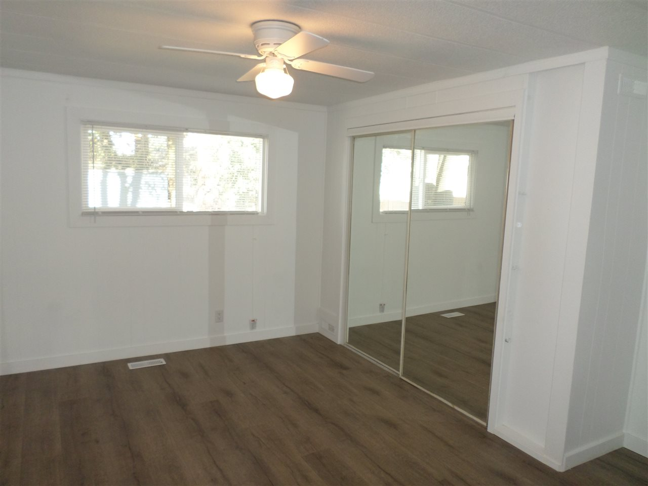 Photo 15: 31585 LOMBARD Avenue in Abbotsford: Poplar Manufactured Home for sale : MLS(r) # R2138943