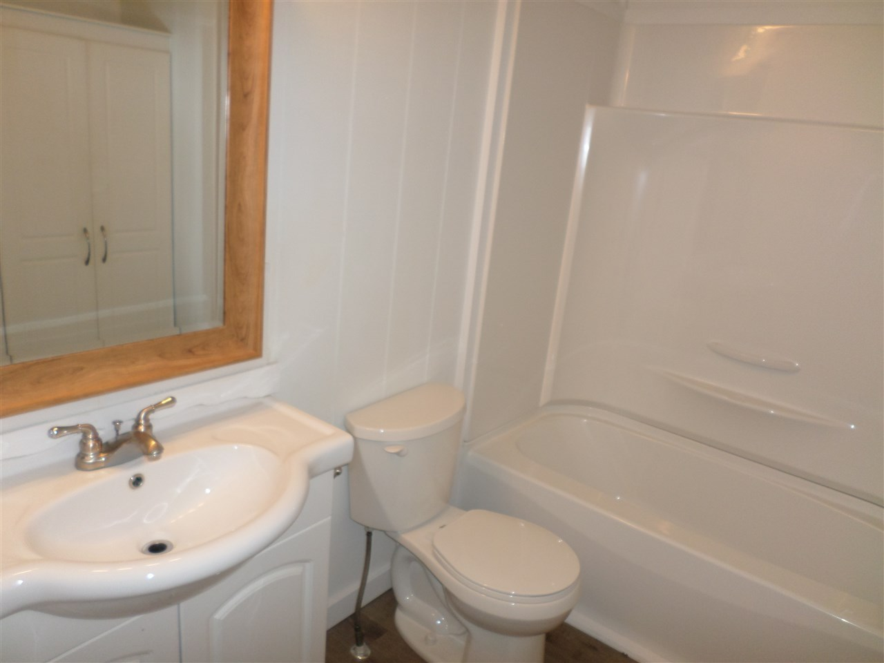 Photo 13: 31585 LOMBARD Avenue in Abbotsford: Poplar Manufactured Home for sale : MLS(r) # R2138943