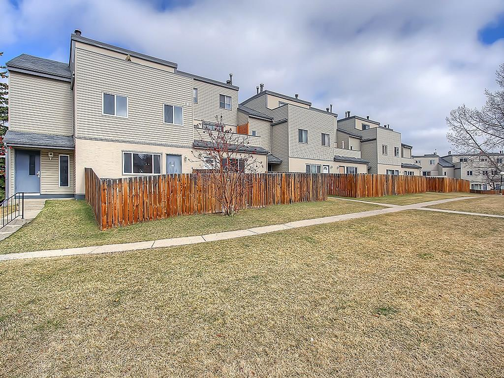Main Photo: 510 1540 29 Street NW in Calgary: St Andrews Heights Condo for sale : MLS®# C4111422