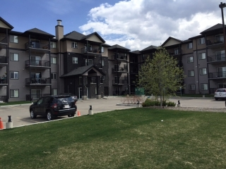 Main Photo: 410 14808 125 Street in Edmonton: Zone 27 Condo for sale : MLS(r) # E4063435