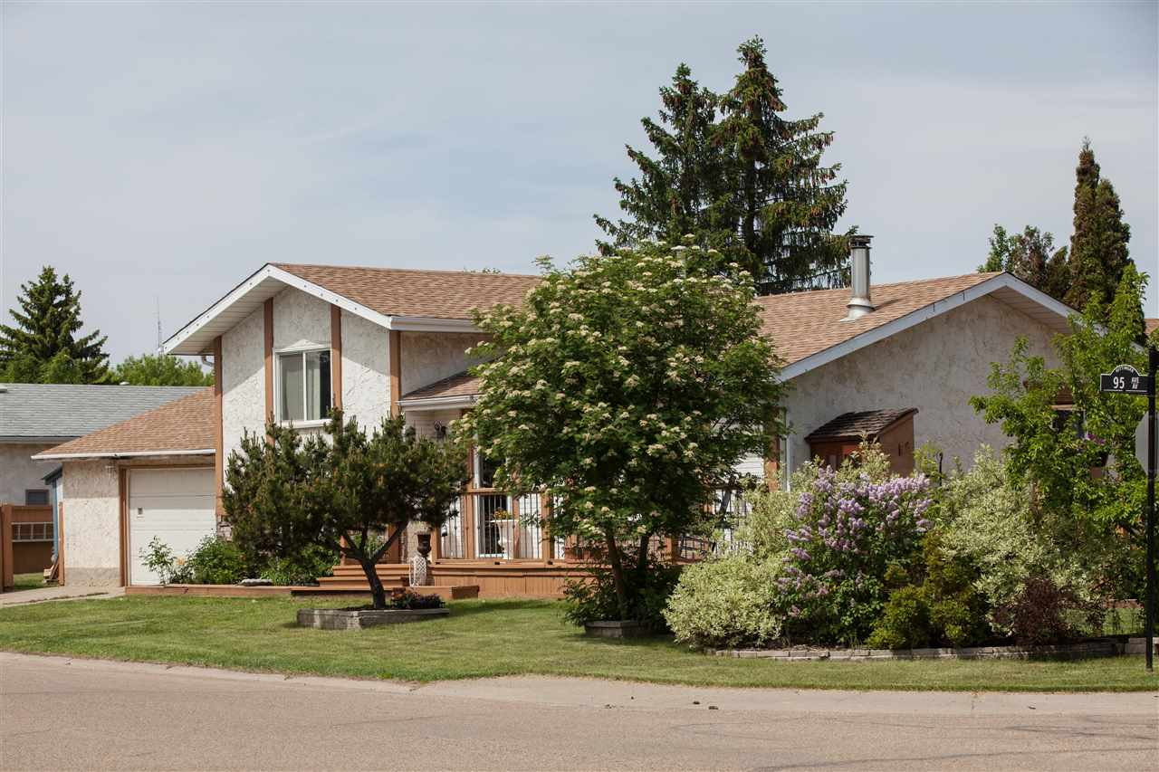 Main Photo: 9702 95 Avenue: Morinville House for sale : MLS(r) # E4067516