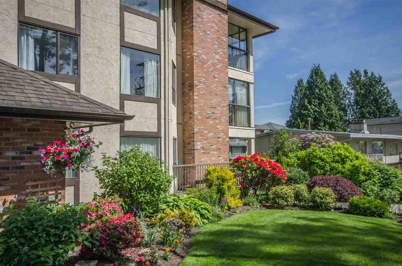 "Main Photo: 301 1480 VIDAL Street: White Rock Condo for sale in ""Wellington"" (South Surrey White Rock)  : MLS® # R2175451"