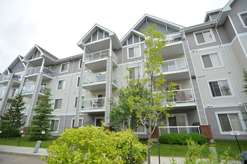 Main Photo: 402 13710 150 Avenue in Edmonton: Zone 27 Condo for sale : MLS(r) # E4068658