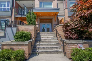 "Main Photo: 403 2351 KELLY Avenue in Port Coquitlam: Central Pt Coquitlam Condo for sale in ""LA VIA"" : MLS(r) # R2183029"