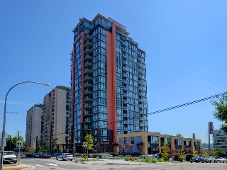 "Main Photo: 1305 188 AGNES Street in New Westminster: Downtown NW Condo for sale in ""ELLIOTT STREET"" : MLS(r) # R2189027"