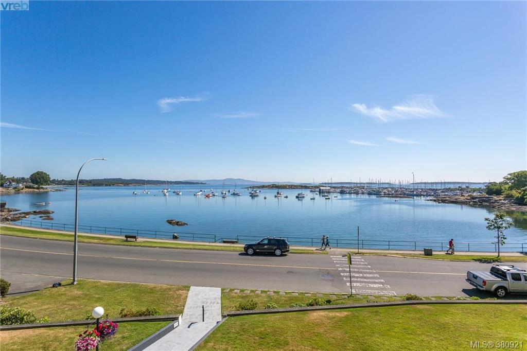 Main Photo: 308 1450 Beach Drive in VICTORIA: OB South Oak Bay Condo Apartment for sale (Oak Bay)  : MLS(r) # 380921