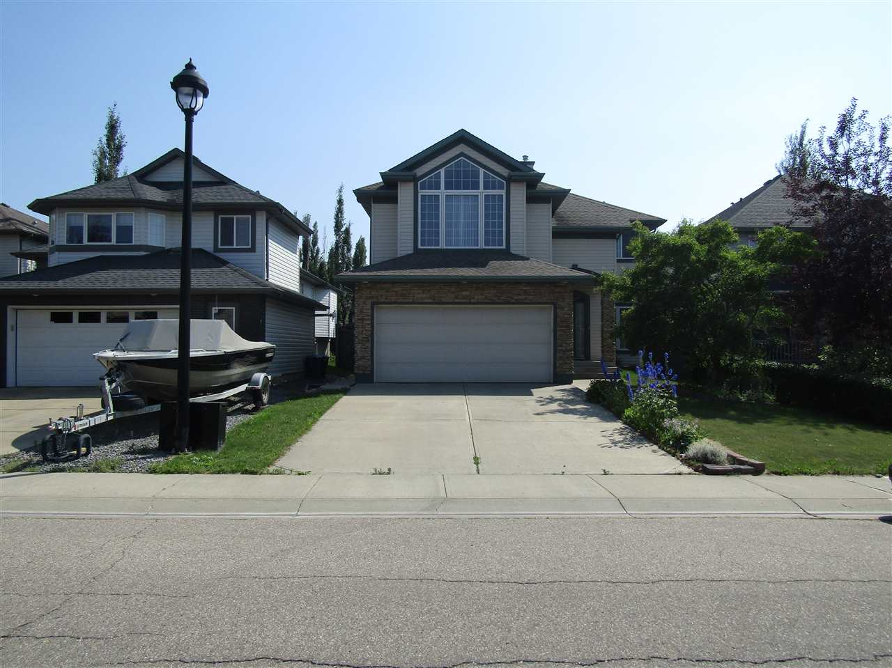 Main Photo: 435 Byrne Crescent SW in Edmonton: Zone 55 Attached Home for sale : MLS(r) # E4074651