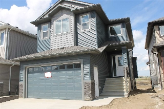 Main Photo: 1824 16b Avenue NW in Edmonton: Zone 30 House for sale : MLS® # E4078201