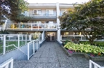 "Main Photo: 302 550 ROYAL Avenue in New Westminster: Downtown NW Condo for sale in ""HARBOR VIEW"" : MLS® # R2206770"