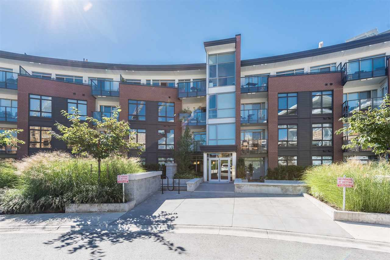 "Main Photo: 205 20 E ROYAL Avenue in New Westminster: Fraserview NW Condo for sale in ""THE LOOKOUT"" : MLS® # R2208052"