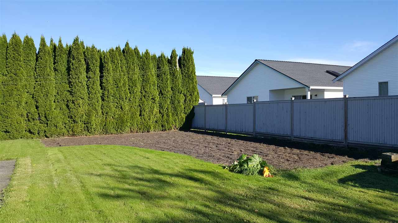 Photo 8: Photos: 8570 NORMAN Crescent in Chilliwack: Chilliwack E Young-Yale House for sale : MLS® # R2217413