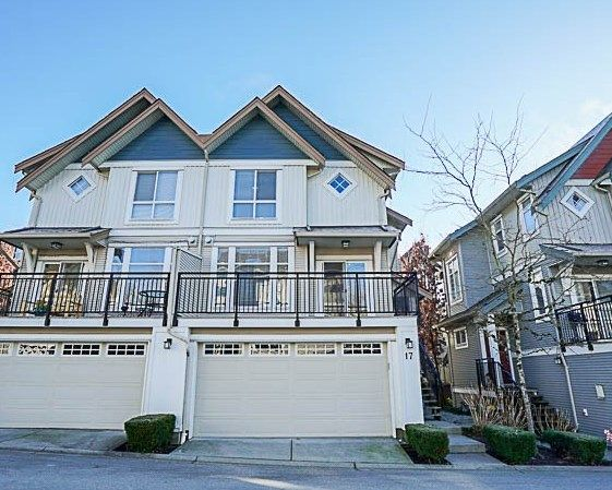 "Main Photo: 17 20120 68 Avenue in Langley: Willoughby Heights Townhouse for sale in ""The Oaks"" : MLS® # R2227046"