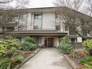 "Main Photo: 201 15020 NORTH BLUFF Road in Surrey: White Rock Condo for sale in ""NORTH BLUFF VILLAGE APTS"" (South Surrey White Rock)  : MLS®# R2251487"