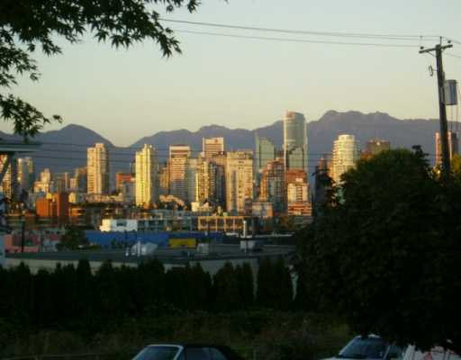 "Main Photo: 210 1876 W 6TH AV in Vancouver: Kitsilano Condo for sale in ""HERITAGE @ CYPRESS"" (Vancouver West)  : MLS® # V556122"