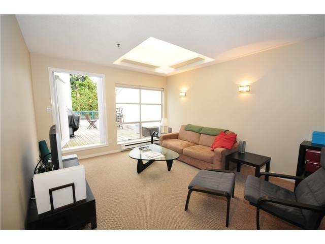 "Main Photo: 1 1038 W 7TH Avenue in Vancouver: Fairview VW Condo for sale in ""THE SANTORINI"" (Vancouver West)  : MLS(r) # V927272"