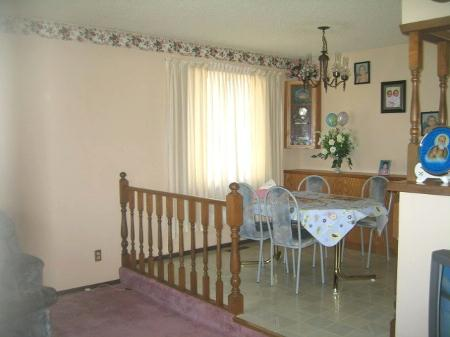 Photo 4: Photos: 262 Mahonee Dr.: Residential for sale (Oakwood Estates)  : MLS®# 2705221