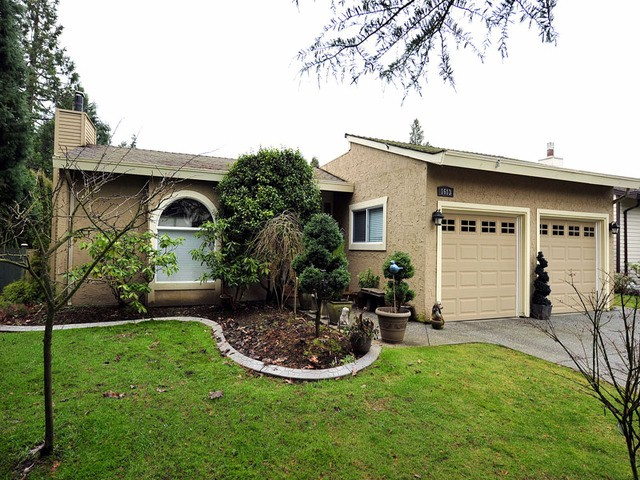 Main Photo: 1613 142ND Street in Surrey: Sunnyside Park Surrey House for sale (South Surrey White Rock)  : MLS® # F1300470