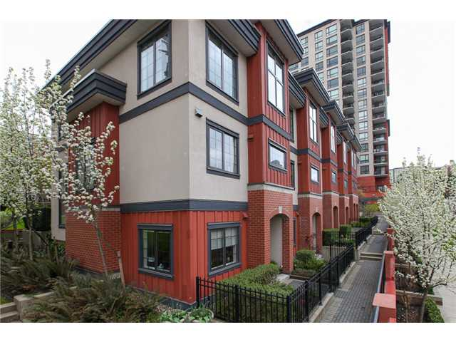 Photo 9: 829 AGNES Street in New Westminster: Downtown NW Condo for sale : MLS(r) # V1000315
