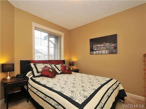 Photo 13: 108 2920 Phipps Road in VICTORIA: La Langford Proper Townhouse for sale (Langford)  : MLS(r) # 333970