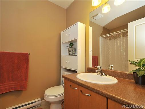 Photo 15: 108 2920 Phipps Road in VICTORIA: La Langford Proper Townhouse for sale (Langford)  : MLS(r) # 333970