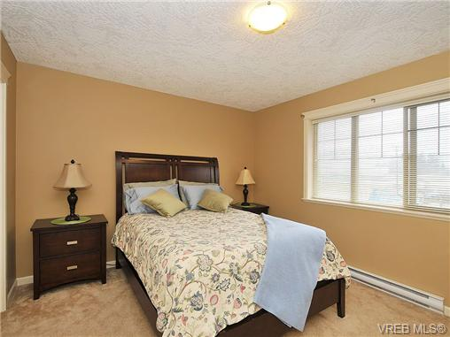 Photo 11: 108 2920 Phipps Road in VICTORIA: La Langford Proper Townhouse for sale (Langford)  : MLS(r) # 333970