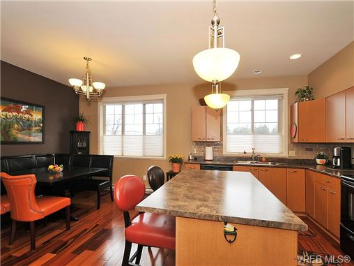 Photo 10: 108 2920 Phipps Road in VICTORIA: La Langford Proper Townhouse for sale (Langford)  : MLS(r) # 333970