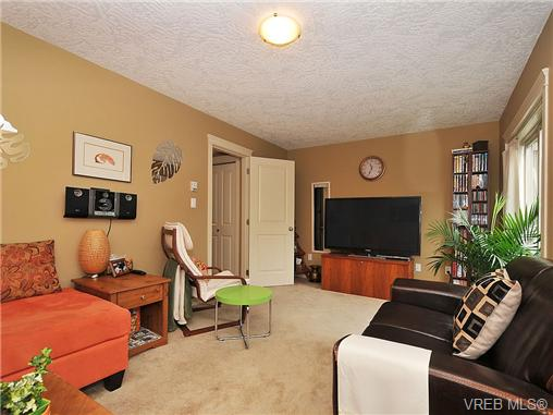 Photo 16: 108 2920 Phipps Road in VICTORIA: La Langford Proper Townhouse for sale (Langford)  : MLS(r) # 333970