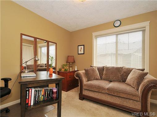 Photo 14: 108 2920 Phipps Road in VICTORIA: La Langford Proper Townhouse for sale (Langford)  : MLS(r) # 333970