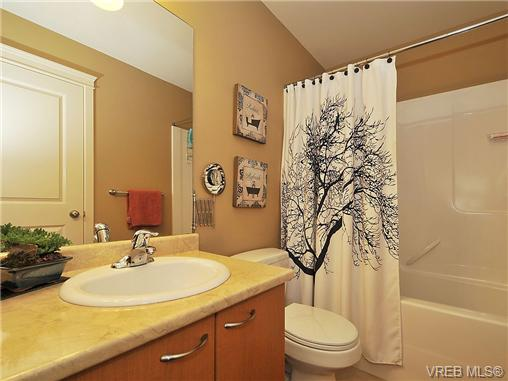 Photo 12: 108 2920 Phipps Road in VICTORIA: La Langford Proper Townhouse for sale (Langford)  : MLS(r) # 333970