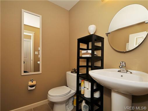 Photo 18: 108 2920 Phipps Road in VICTORIA: La Langford Proper Townhouse for sale (Langford)  : MLS(r) # 333970