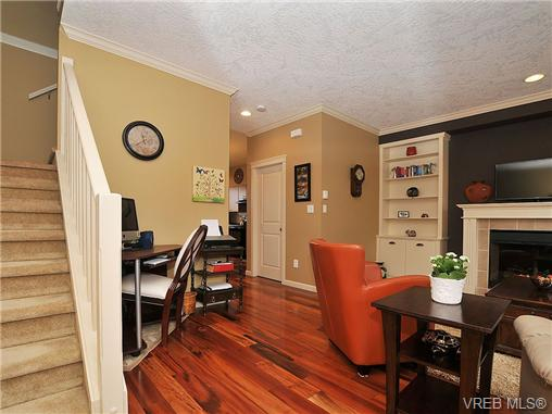 Photo 5: 108 2920 Phipps Road in VICTORIA: La Langford Proper Townhouse for sale (Langford)  : MLS(r) # 333970