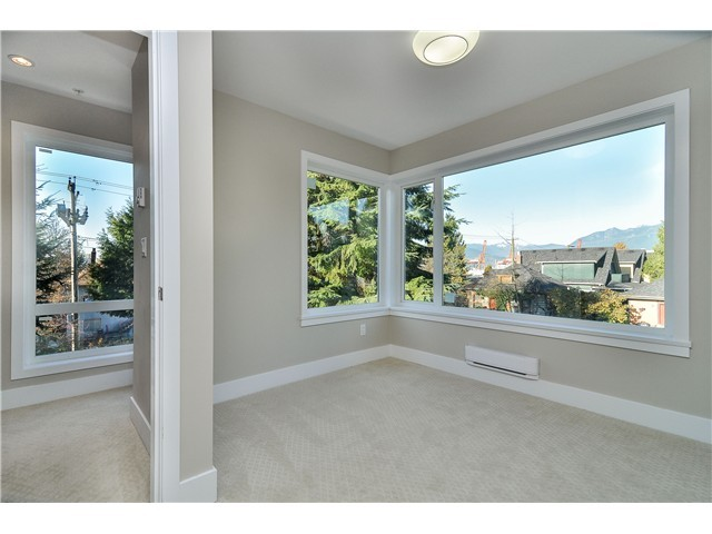 "Photo 11: 1806 E PENDER Street in Vancouver: Hastings Townhouse for sale in ""AZALEA HOMES"" (Vancouver East)  : MLS® # V1051665"