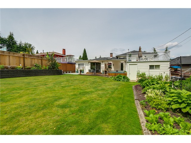 Photo 18: 38 MOUNT ROYAL Drive in Port Moody: College Park PM House for sale : MLS® # V1069976