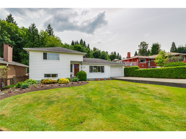 Main Photo: 38 MOUNT ROYAL Drive in Port Moody: College Park PM House for sale : MLS® # V1069976