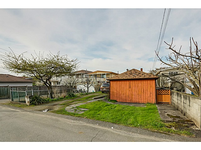 "Photo 12: 1288 E 26TH Avenue in Vancouver: Knight House for sale in ""CEDAR COTTAGE"" (Vancouver East)  : MLS(r) # V1114314"