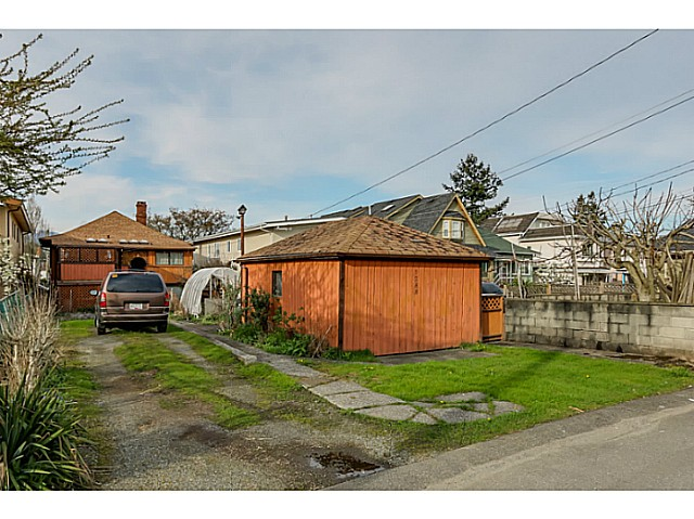 "Photo 14: 1288 E 26TH Avenue in Vancouver: Knight House for sale in ""CEDAR COTTAGE"" (Vancouver East)  : MLS(r) # V1114314"