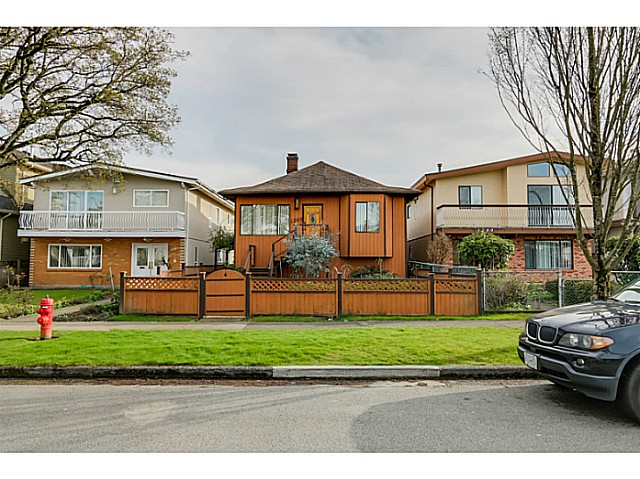 "Main Photo: 1288 E 26TH Avenue in Vancouver: Knight House for sale in ""CEDAR COTTAGE"" (Vancouver East)  : MLS(r) # V1114314"