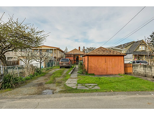 "Photo 13: 1288 E 26TH Avenue in Vancouver: Knight House for sale in ""CEDAR COTTAGE"" (Vancouver East)  : MLS(r) # V1114314"