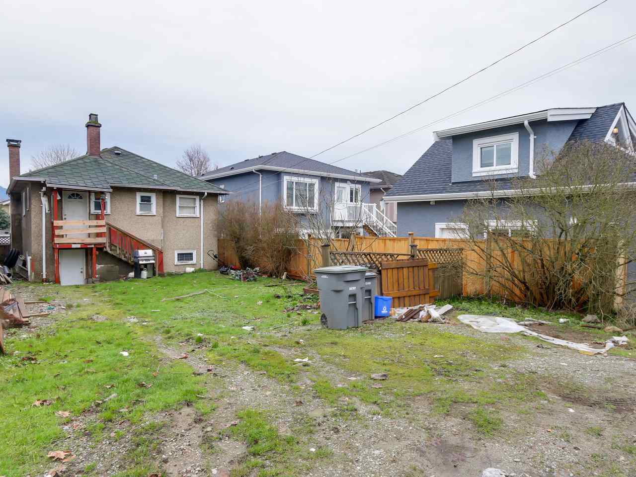 Photo 3: 2710 MCGILL Street in Vancouver: Hastings East House for sale (Vancouver East)  : MLS(r) # R2035003