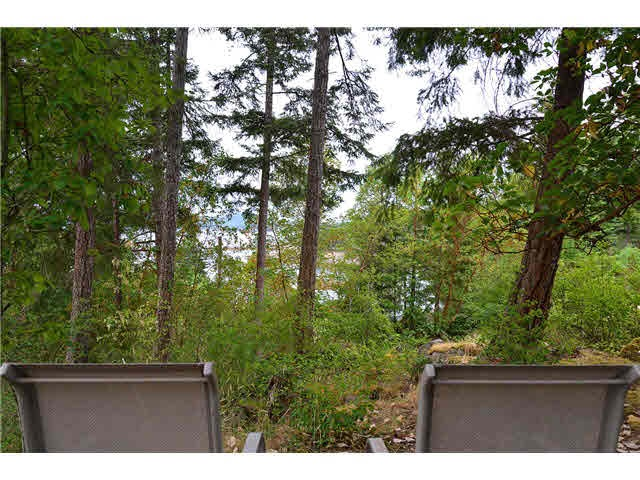 "Main Photo: LOT F REDROOFFS ROAD in Halfmoon Bay: Halfmn Bay Secret Cv Redroofs Home for sale in ""HALFMOON BAY"" (Sunshine Coast)  : MLS® # R2035709"