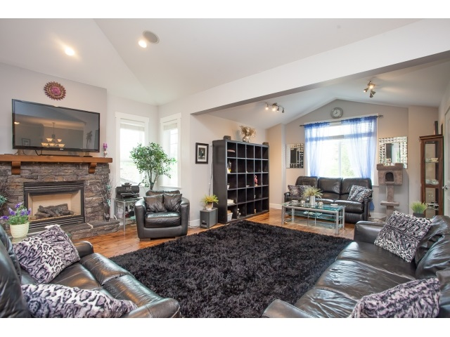 Photo 4: 2348 BEDFORD Place in Abbotsford: Abbotsford West House for sale : MLS(r) # R2059906