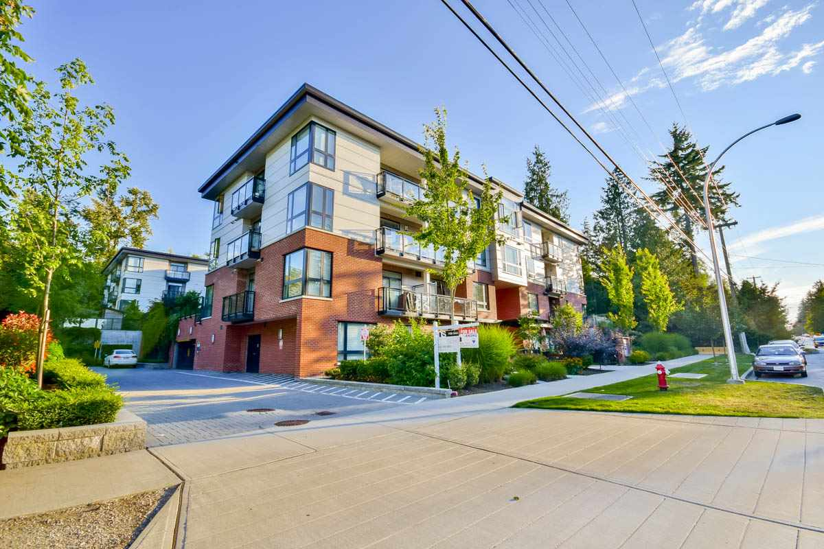 "Main Photo: 405 14358 60 Avenue in Surrey: Sullivan Station Condo for sale in ""LATITUDE"" : MLS® # R2095765"