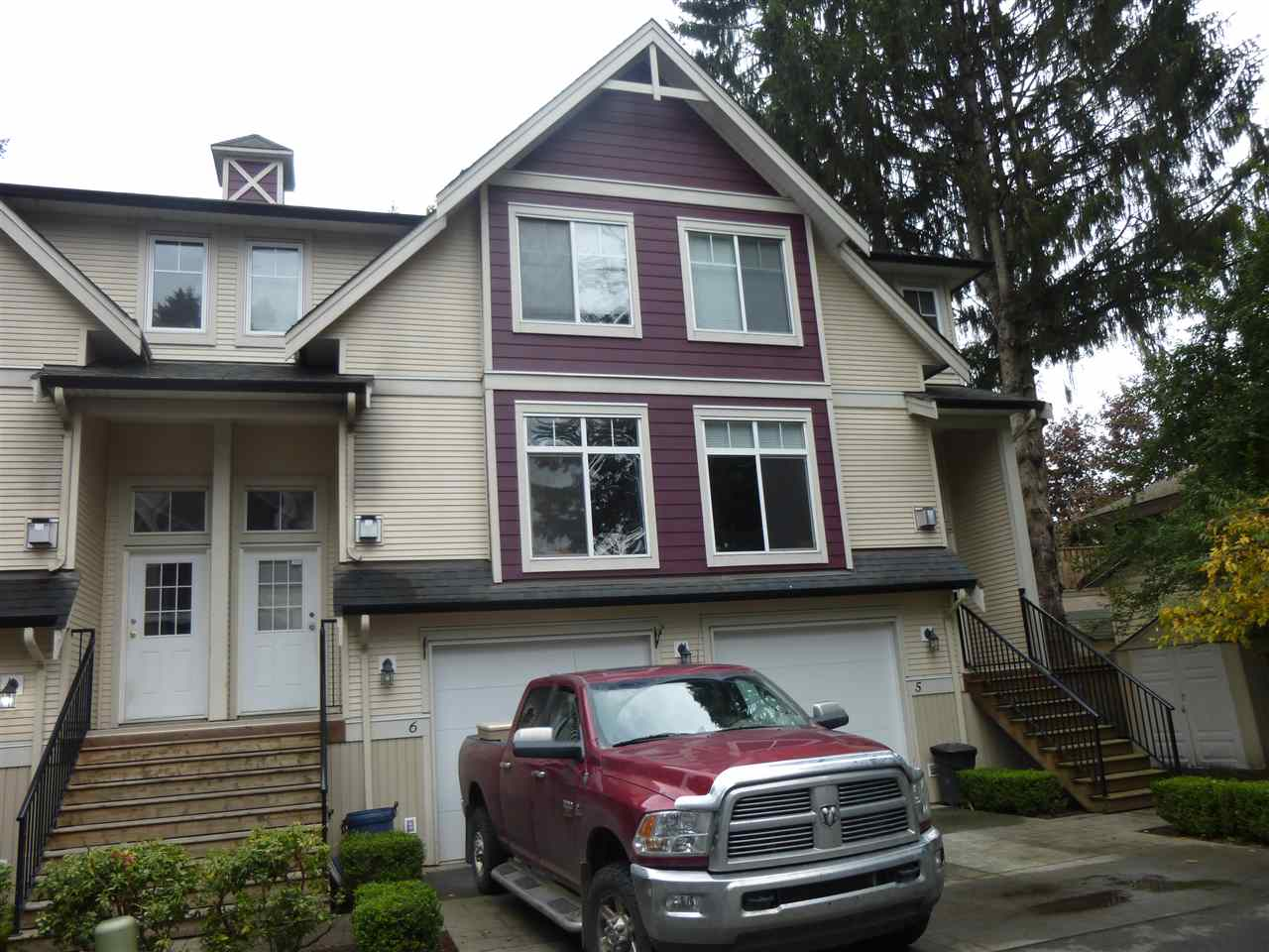 "Main Photo: 6 46608 YALE Road in Chilliwack: Chilliwack E Young-Yale Townhouse for sale in ""THORNBERRY LANE"" : MLS® # R2114763"