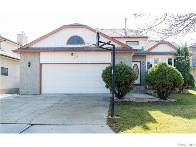 FEATURED LISTING: 22 Strewchuk Bay Winnipeg