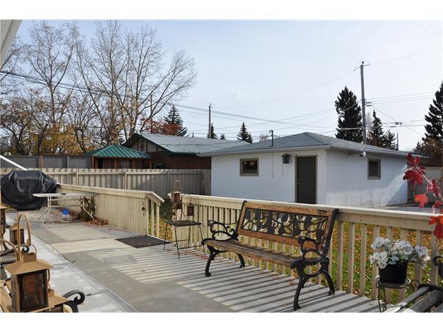 Photo 5: 2407 52 Avenue SW in Calgary: North Glenmore Park House for sale : MLS® # C4087732