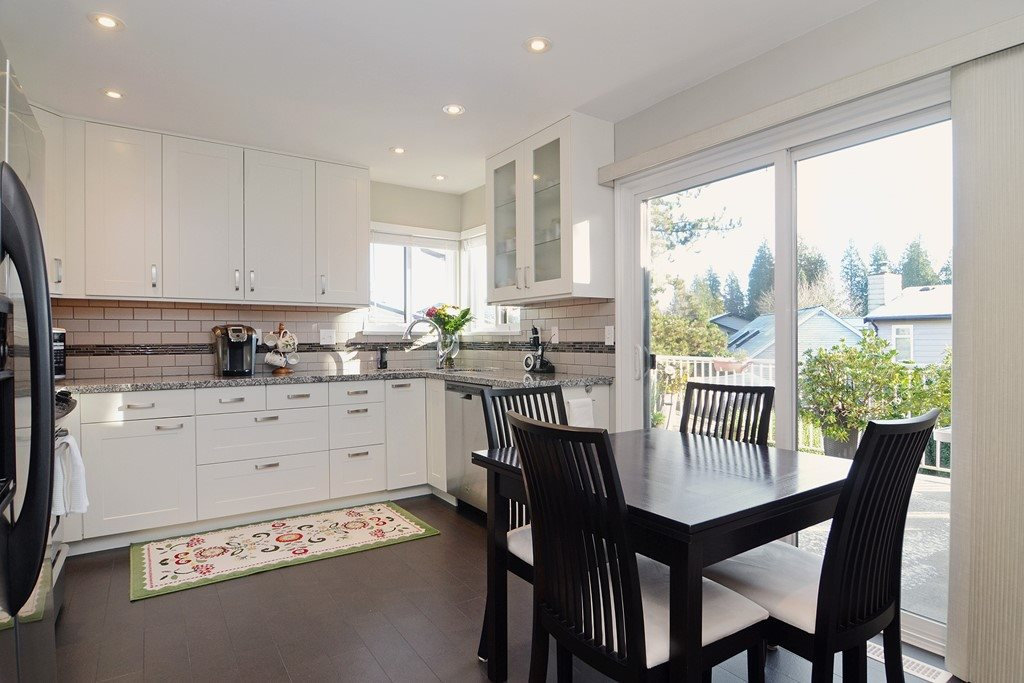 "Photo 6: 1056 LOMBARDY Drive in Port Coquitlam: Lincoln Park PQ House for sale in ""LINCOLN PARK"" : MLS® # R2126810"