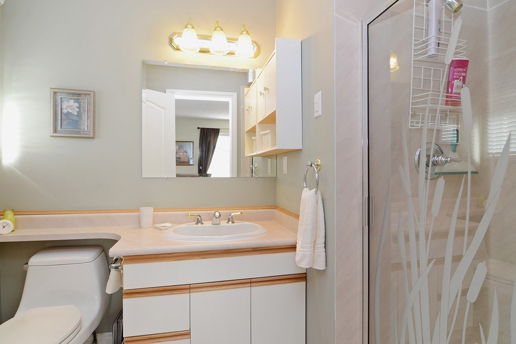 "Photo 11: 1056 LOMBARDY Drive in Port Coquitlam: Lincoln Park PQ House for sale in ""LINCOLN PARK"" : MLS® # R2126810"
